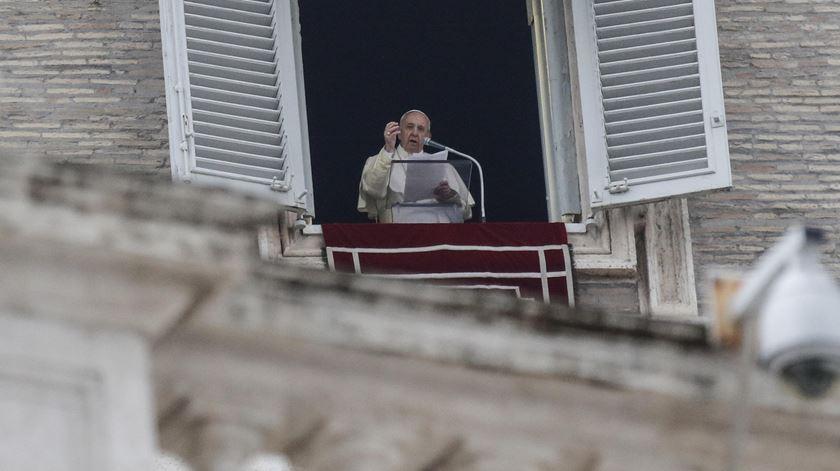 Coscuvilhar é pior do que a Covid-19, diz o Papa Francisco