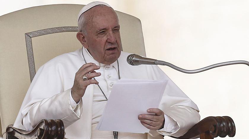 """Papa questiona católicos. """"Adoro Deus ou adoro as formulações dogmáticas?"""""""