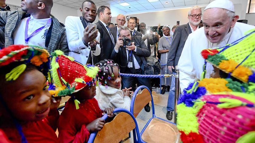 """Papa denuncia """"ferida grande e grave"""" da indiferença perante refugiados e migrantes"""
