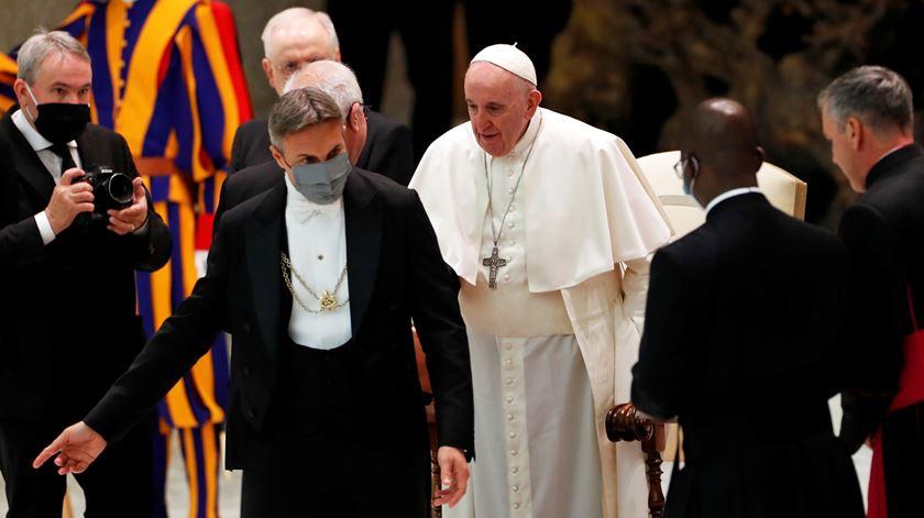 """Papa apela ao """"respeito pela vida"""" de todos, evocando São João Paulo II"""