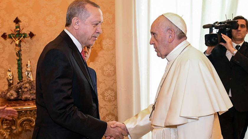 Jerusalém, Síria, refugiados. Papa oferece a Erdogan uma prenda anti-guerra