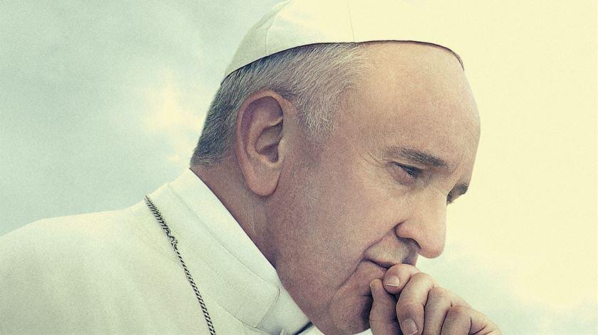 """Não é uma biografia, é """"uma viagem"""". Wim Wenders estreia filme sobre o Papa em Cannes"""