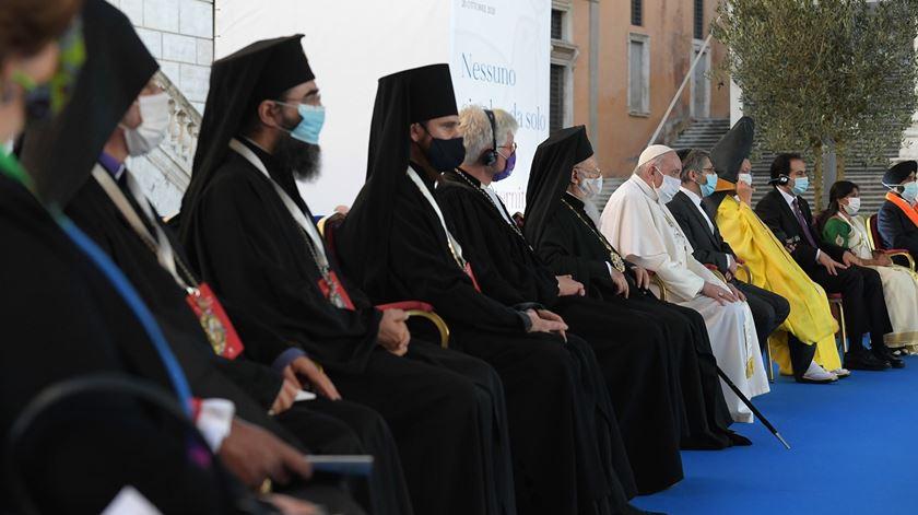 """""""A guerra é o falhanço da política e da humanidade"""", dizem líderes religiosos"""