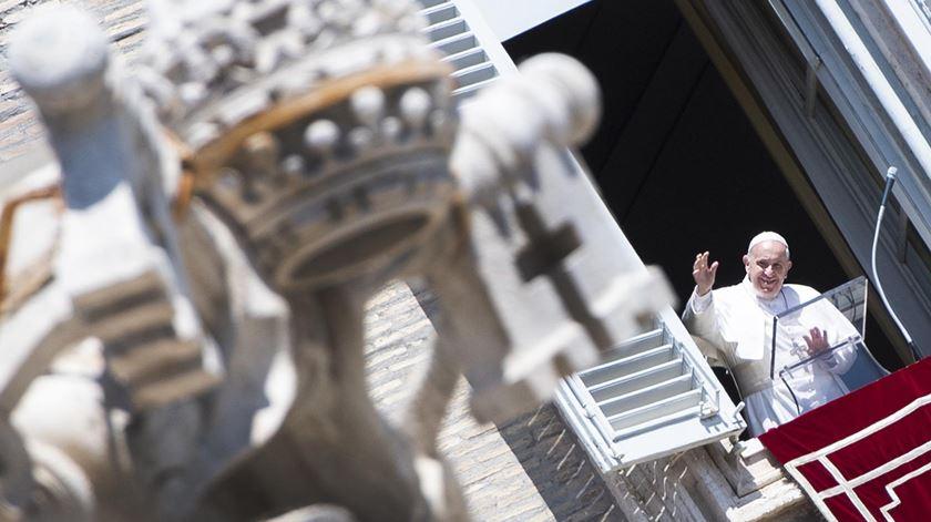 Papa reforça apelo a cessar-fogo global, para ajudar vítimas da pandemia