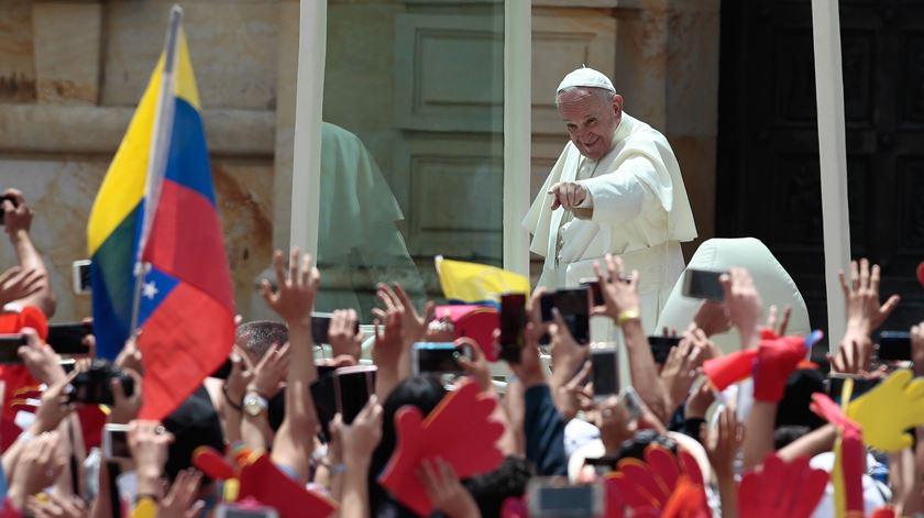 "Papa cita García Marquez na Colômbia. ""Perante a opressão, a resposta é a vida"""