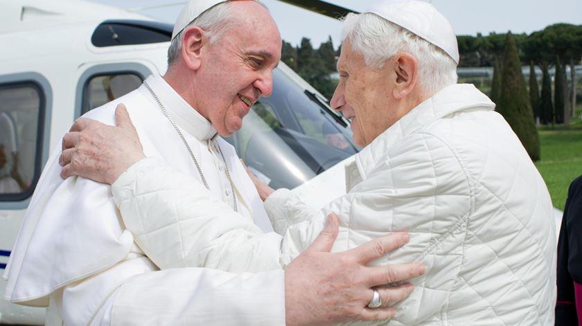 Bento XVI elogia continuidade entre os dois pontificados. Foto: EPA