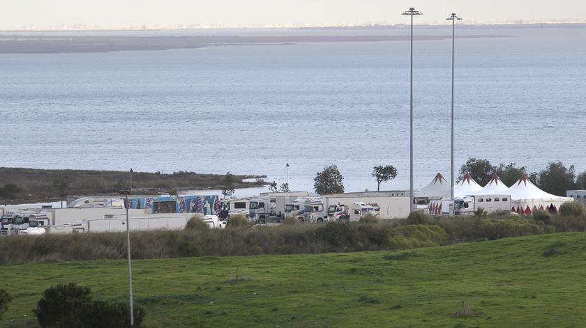 Evento vai ocorrer nas margens do Rio Trancão, onde hoje não existe qualquer ligação pedonal. Foto: Inês Rocha/RR