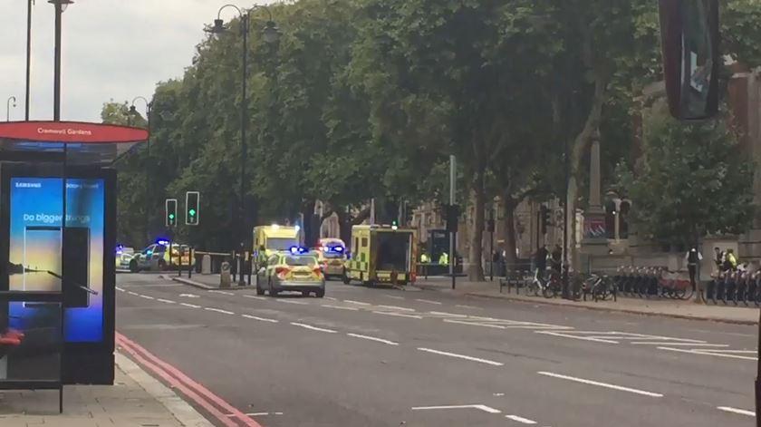 Vários feridos em atropelamento junto ao Museu de História Natural em Londres