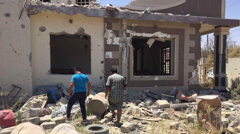 O jornalista Paulo Moura e Khaled, o iraquiano que lhe deu guarida em Mossul. Foto: Paulo Moura