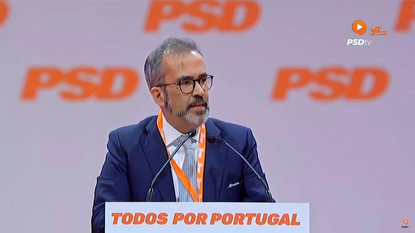 """Paulo Rangel defende referendo sobre eutanásia, para evitar decisão """"nas costas dos portugueses"""""""