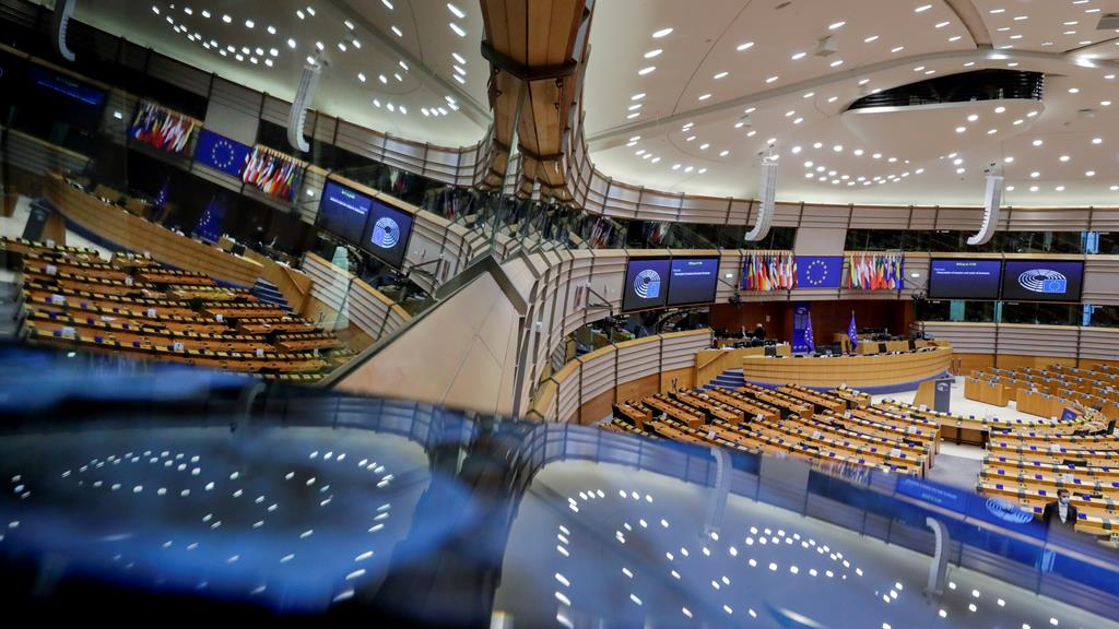 Eurodeputados pedriam mais distribuição de vacinas. Foto: Olivier Hoslet/EPA