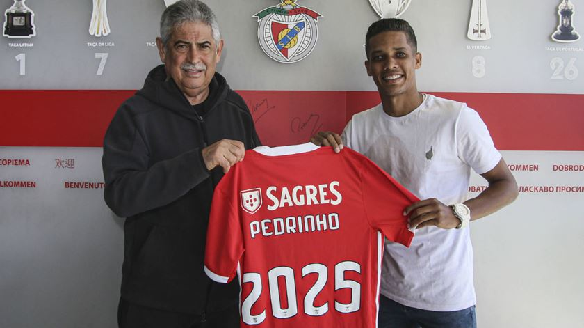 """Pedrinho junta-se ao Benfica. """"Quero o máximo de títulos"""""""