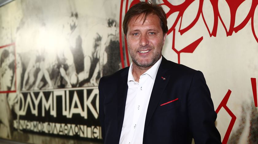 Pedro Martins, treinador do Olympiacos Foto Olympiacos FC