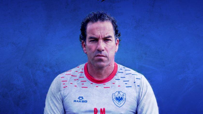 Oliveirense segura treinador e anuncia internacional português