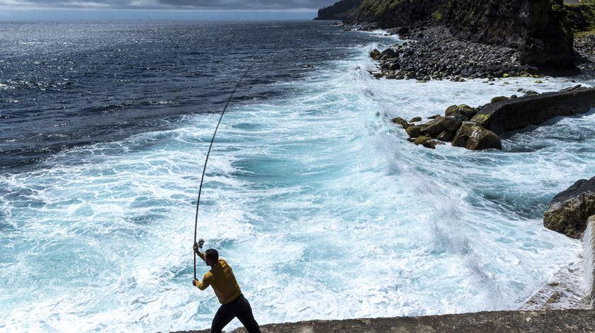 Pescador morre em São Martinho do Porto após cair ao mar - Renascença
