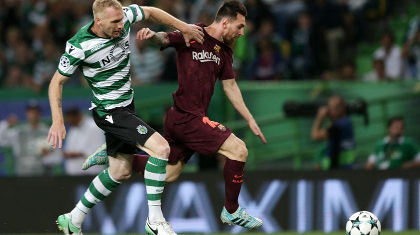 Sporting derrotado pela margem mínima pelo Barcelona