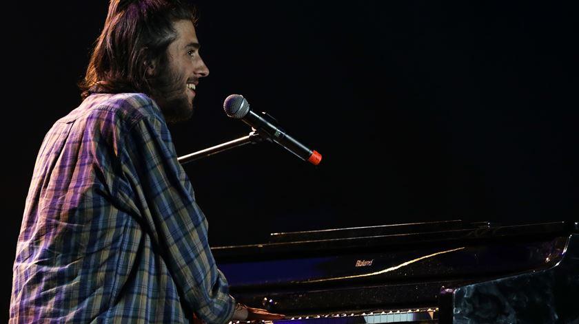 Salvador Sobral no concerto solidário Juntos Por Todos - Foto: Tiago Petinga/Lusa