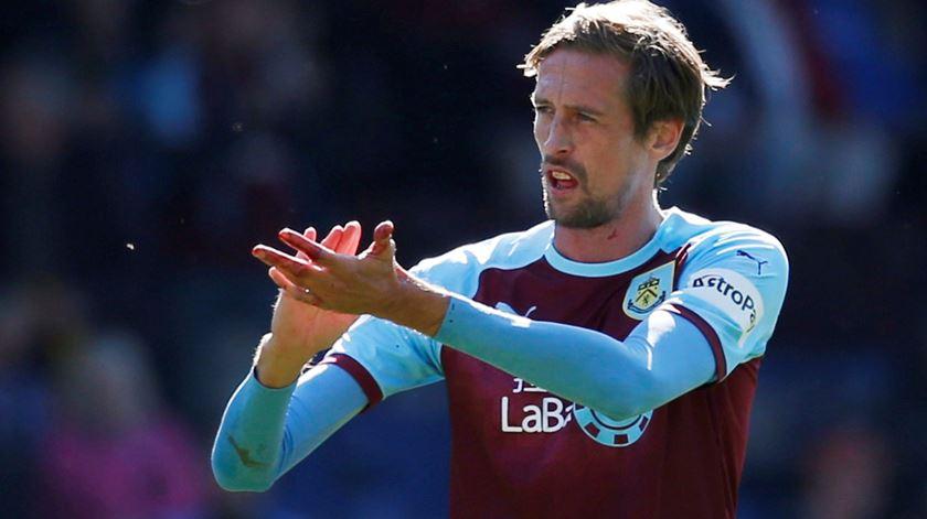 Crouch não marcou qualquer golo em seis jogos pelo Burnley. Foto: Ed Skyes/Reuters