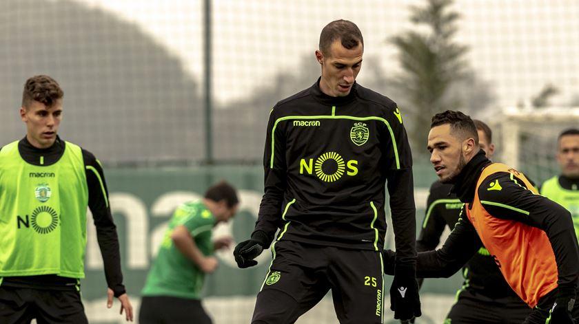 Petrovic deixa o Sporting e assina pelo Almeria em definitivo