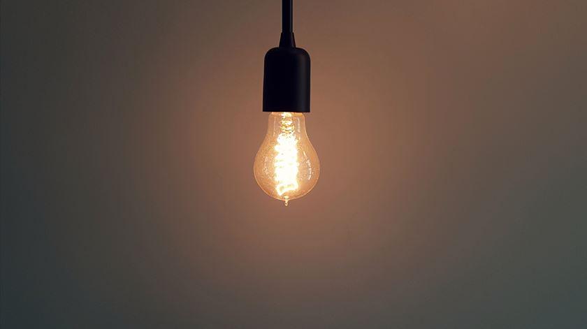 Portugal e Espanha vão analisar preços da eletricidade