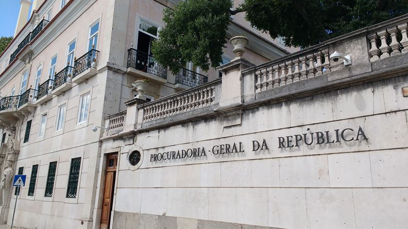 Presidente da Proteção Civil entre os 18 arguidos no caso das golas antifumo