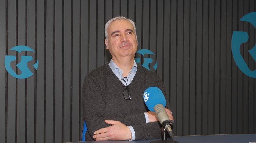 """José Pedro Teixeira Fernandes, autor do livro """"Europa em crise"""". Foto: RR"""