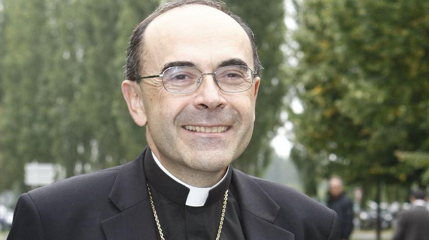 Tribunal anula condenação de cardeal francês por encobrimento de abusos
