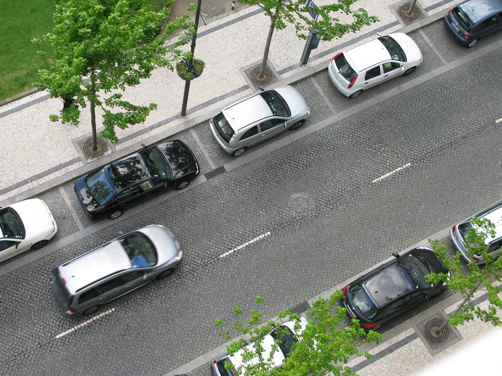 Esta nova alteração afeta as ruas de sentido único e as de uma só via em cada sentido de circulação. Foto: RR