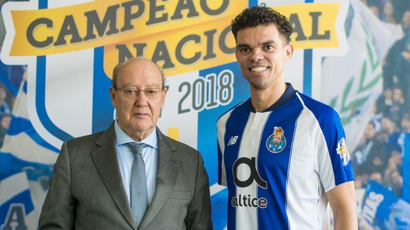 """Pinto da Costa conta que Pepe preferiu o FC Porto a ganhar """"cinco ou seis"""" vezes mais"""