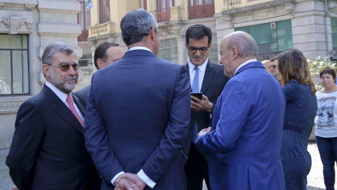 Rui Moreira e Pinto da Costa estiveram à conversa antes do início da cerimónia. Foto: Marília Freitas/RR