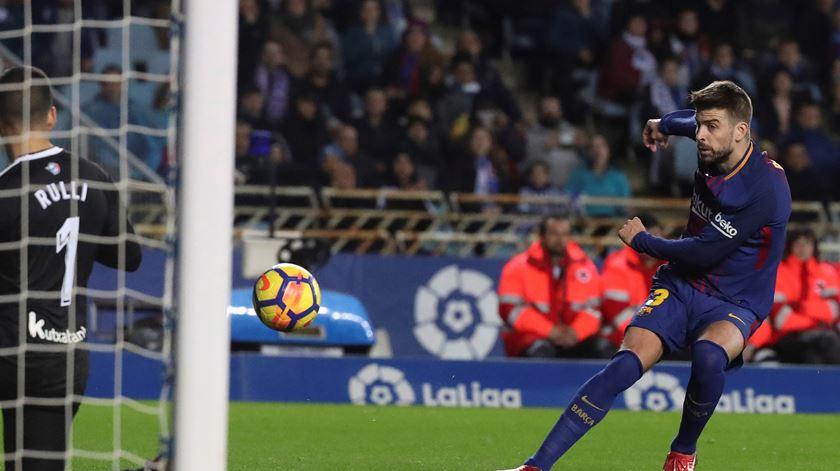 Barcelona renova com Piqué até 2022