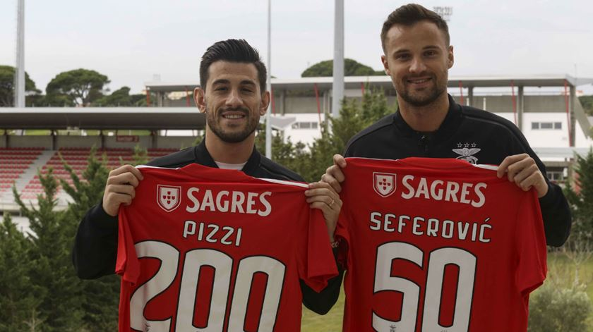 O que os senhores 200 e 50 jogos querem é títulos pelo Benfica