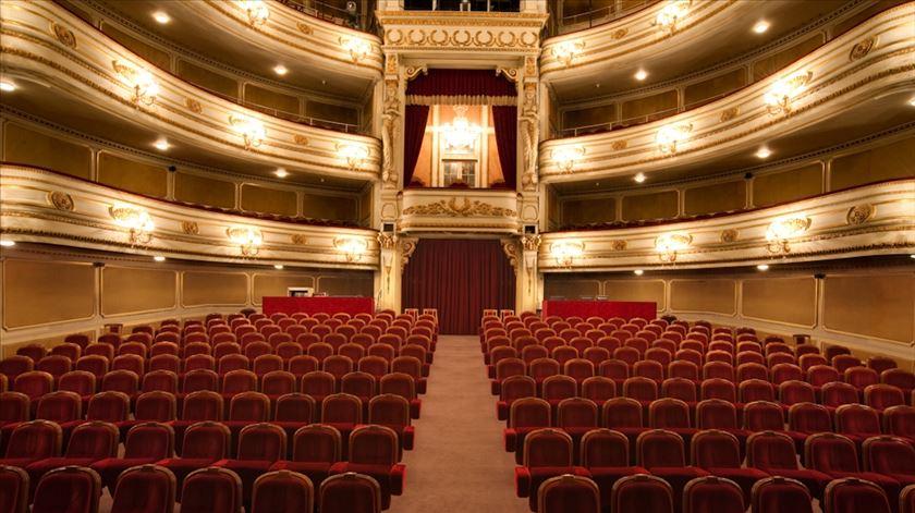Teatro D. Maria II recupera peças que a pandemia não deixou fazer