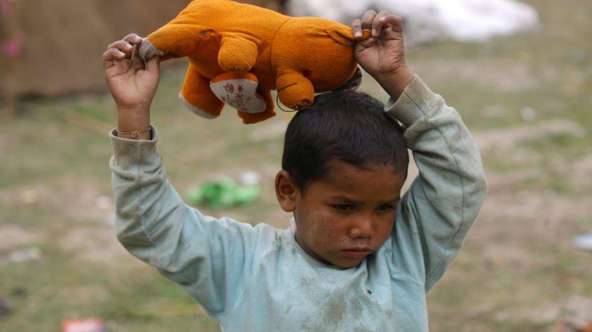 A cada segundo, 1,1 pessoas deixa a pobreza extrema