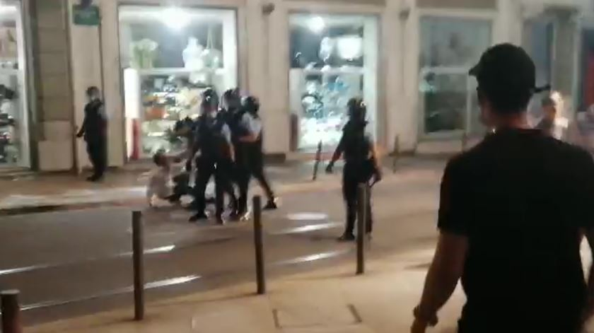 Festa portista nos Aliados acaba com carga policial sobre adeptos