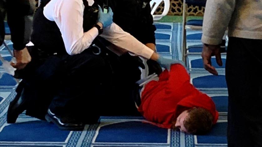 Londres. Detido suspeito de esfaqueamento em mesquita