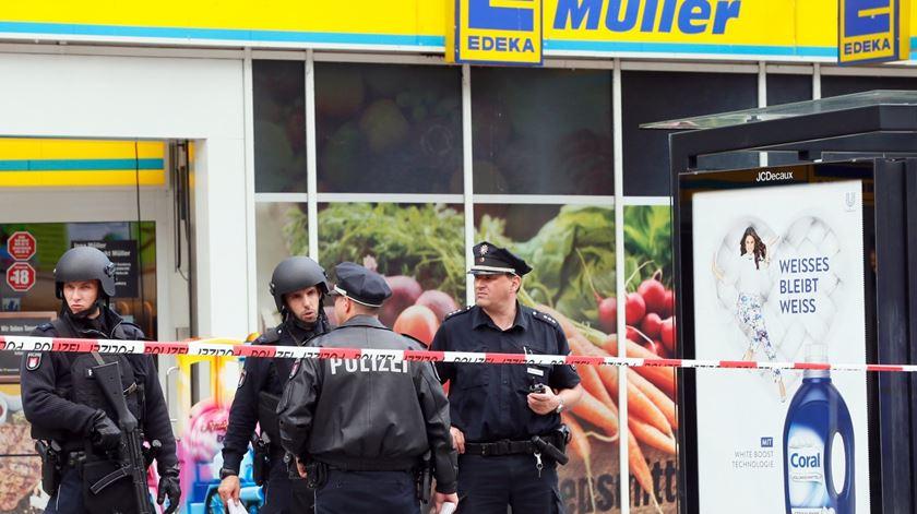 Ataque em supermercado em Hamburgo faz um morto