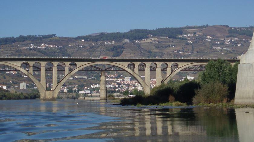 Ponte Rodoviária de Peso da Régua. Foto: Wikipedia Commons