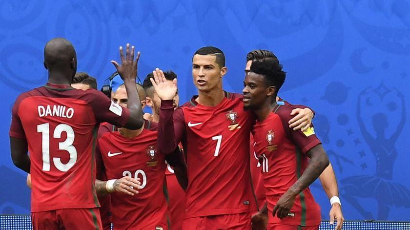 Portugal goleia e está nas meias-finais