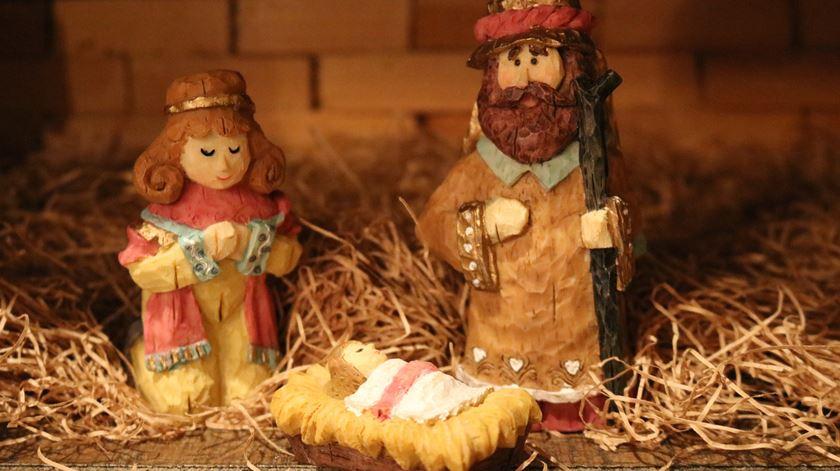 No Natal os cristãos celebram o nascimento de Cristo. Foto: Chris Sowder/Unsplash