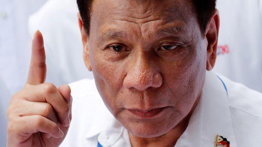 """Ordem do Presidente das Filipinas: """"Atirem a matar sobre quem desobedecer"""""""