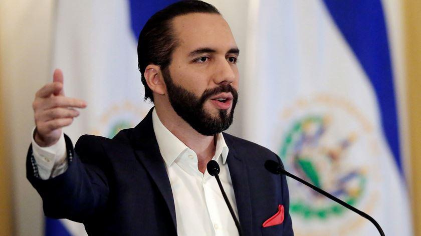 Presidente de El Salvador expulsa corpo diplomático da Venezuela