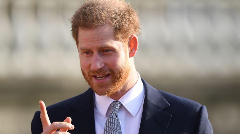 """Príncipe Harry sobre afastamento da realeza. """"Quero que ouçam a verdade por mim"""""""