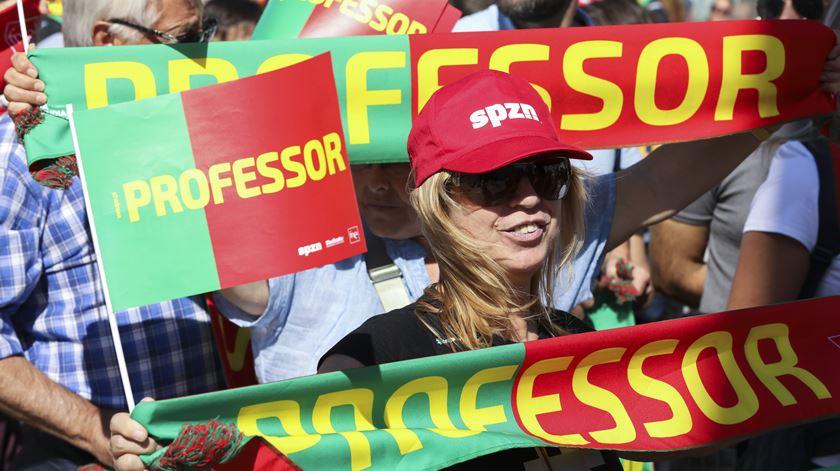 """UGT faz """"questão de demonstrar"""" solidariedade a professores que desfilaram em Lisboa"""