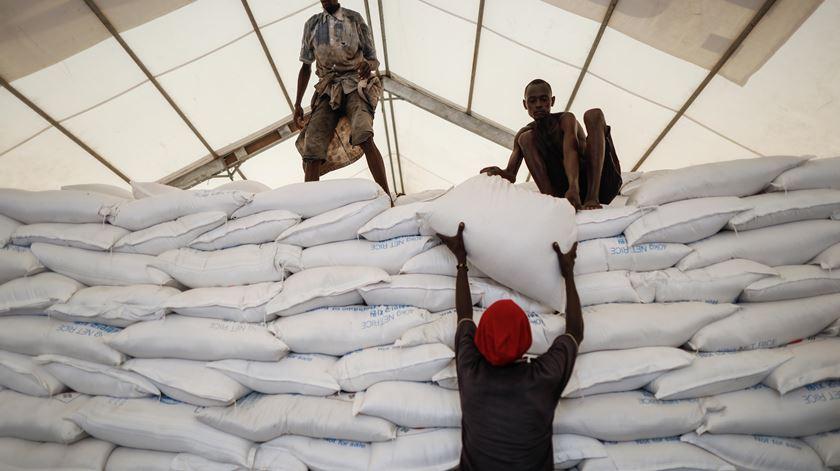 Prémio Nobel. Programa Alimentar Mundial dá de comer a 97 milhões, mas há mais de 800 milhões a passar fome em todo o mundo