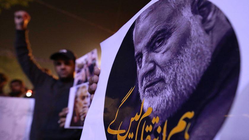 Estados Unidos matam número dois do regime iraniano. E agora?