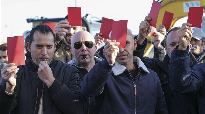 """Forças de segurança """"no limite"""" mostram """"cartão vermelho"""" ao Governo"""
