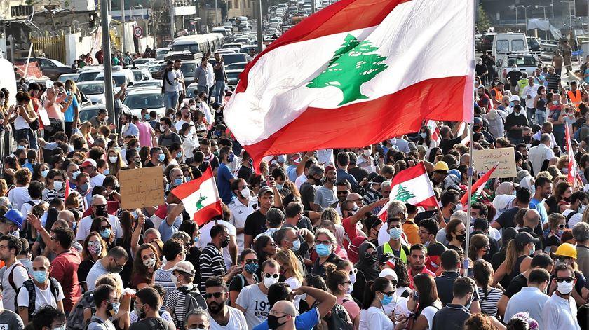 Explosão num bastião do Hezbollah no sul do Líbano