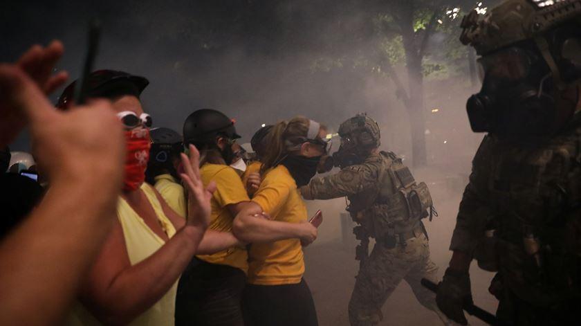Obama critica Trump por enviar agentes federais para manifestações pacíficas