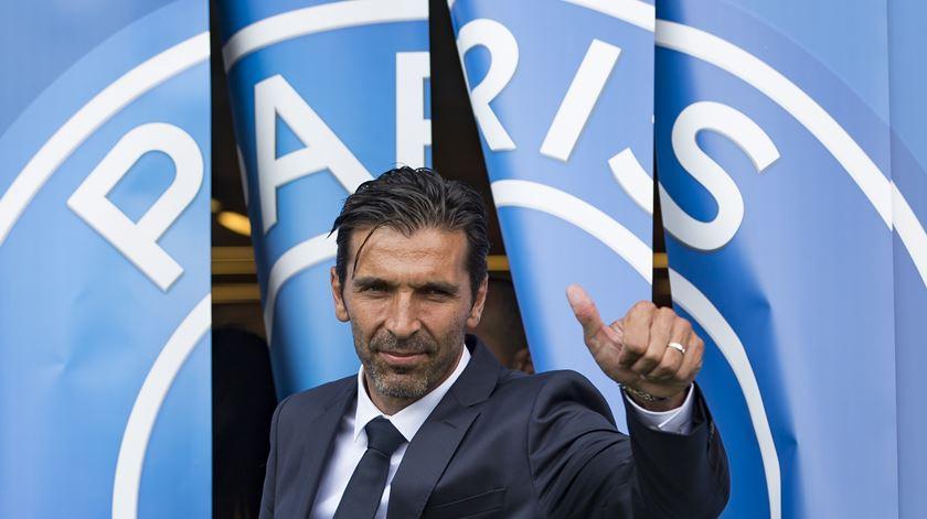 """FC Porto é solução que agrada """"muito"""" a Buffon"""